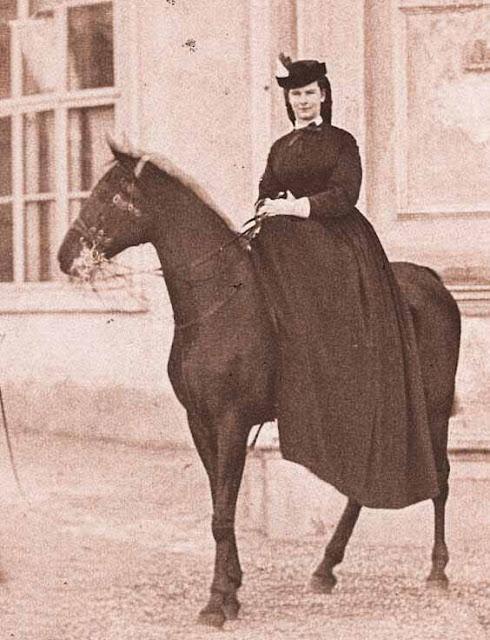 Imperatriz Sissi em cavalo