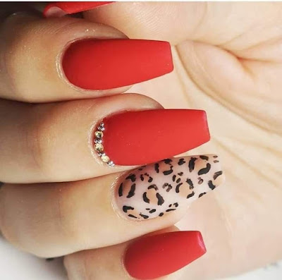 uñas animal print rojo