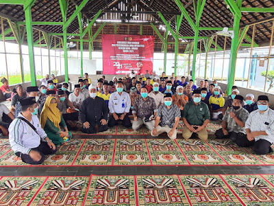 PKB DPW, DPC dan dewan F PKB Loteng, saat Bersilaturrahmi dengan para napi di lapas Praya.