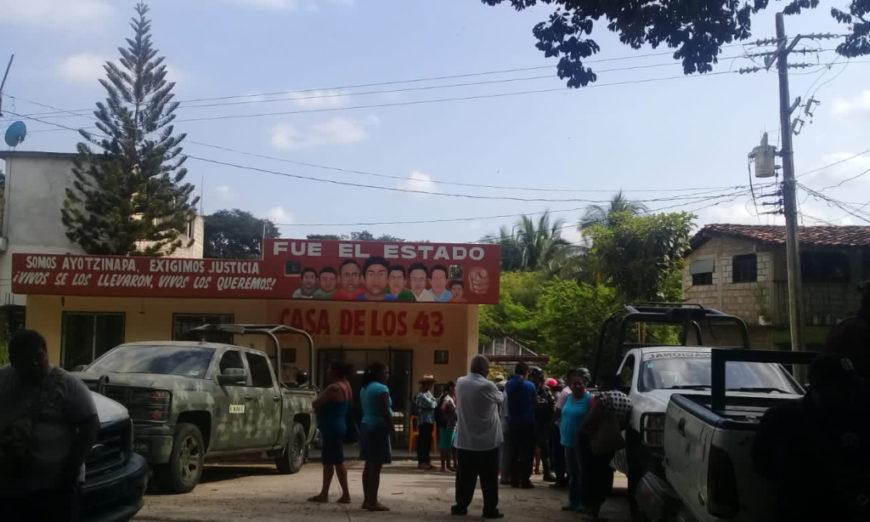 Autodefensas retienen a 16 elementos de la Guardia Nacional en Tecoanapa, Guerrero