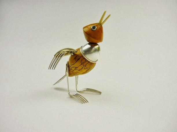 14-Song-Bird-Sculptor-Recycled-Animal-Sculptures-Dean-Patman-Graphic-Design-www-designstack-co