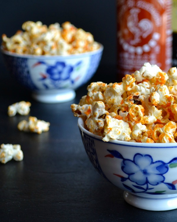 Do you enjoy topping your popcorn with more than just salt and butter? If so, you'll love these savory and sweet popcorn recipes that I've collected. See them all at