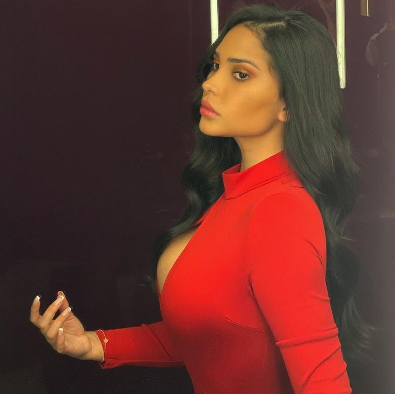 Ana Paula Saenz Social Media Clicks 26 Oct -2020