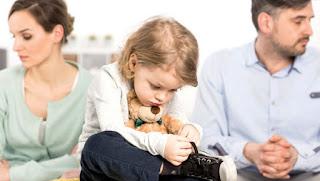 Boşanmaların Çocuk Üzerinde Etkileri ile ilgili aramalar boşanmanın çocuğa etkileri tez  boşanmanın etkileri  boşanma çocuğu nasıl etkiler  boşanmada 4 yaşındaki çocuğun psikolojisi  boşanmada 6 yaşındaki çocuğun psikolojisi  boşanmak için çocuğun uygun yaşı  çocuğun boşanmadan etkilenmesi  boşanmada 7 yaşındaki çocuğun psikolojisi