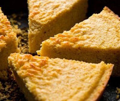 Buttermilk Skillet Corn Bread