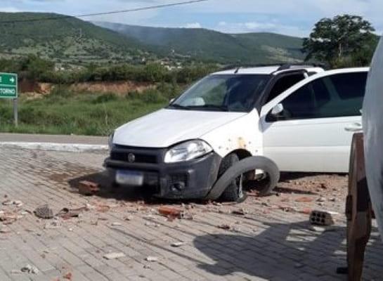 Condutor embriagado é preso após provocar acidente em Jussiape