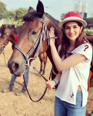 kriti-sanon-taking-horse-riding-lessons-for-panipat