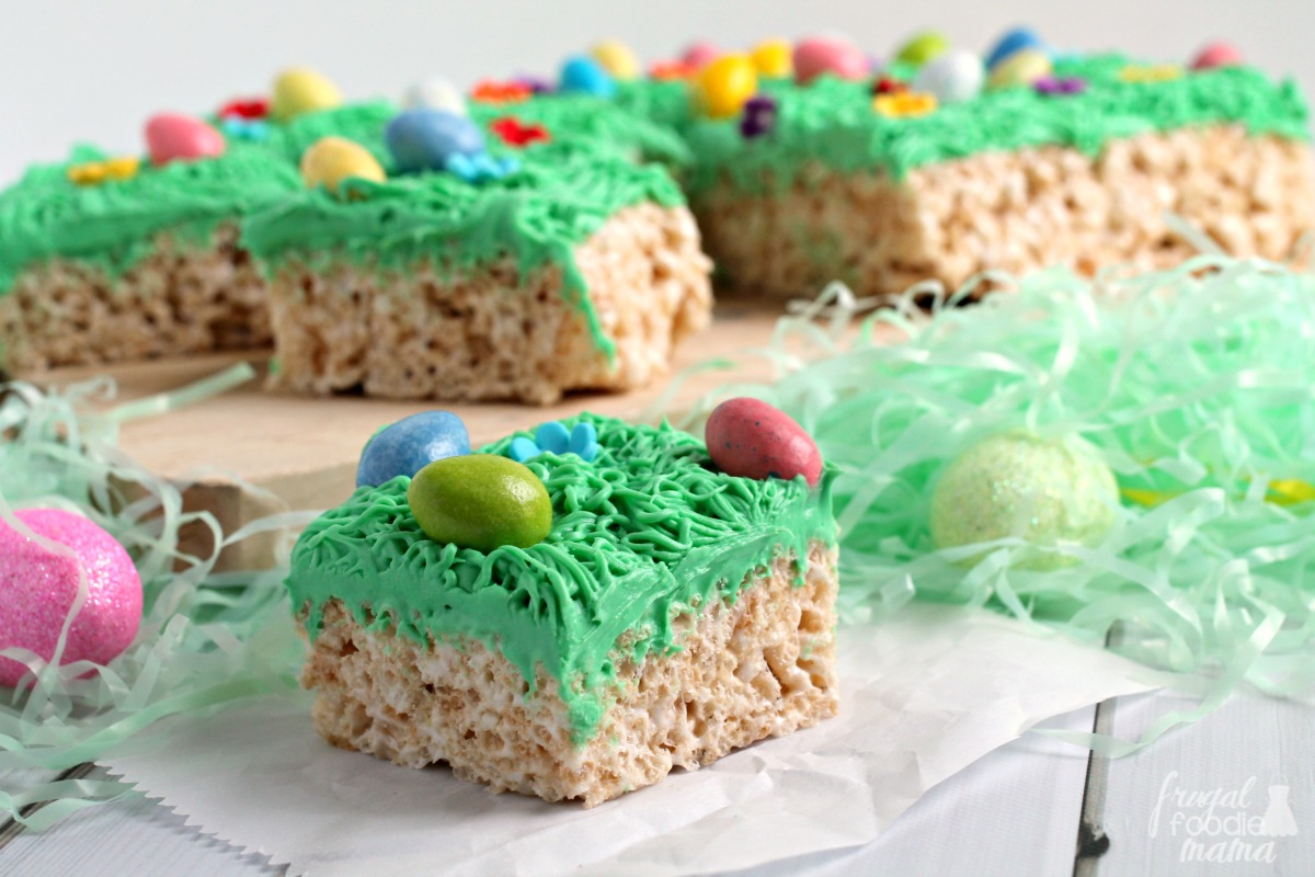 Frugal Foodie Mama: Easter Egg Hunt Rice Krispies Treats