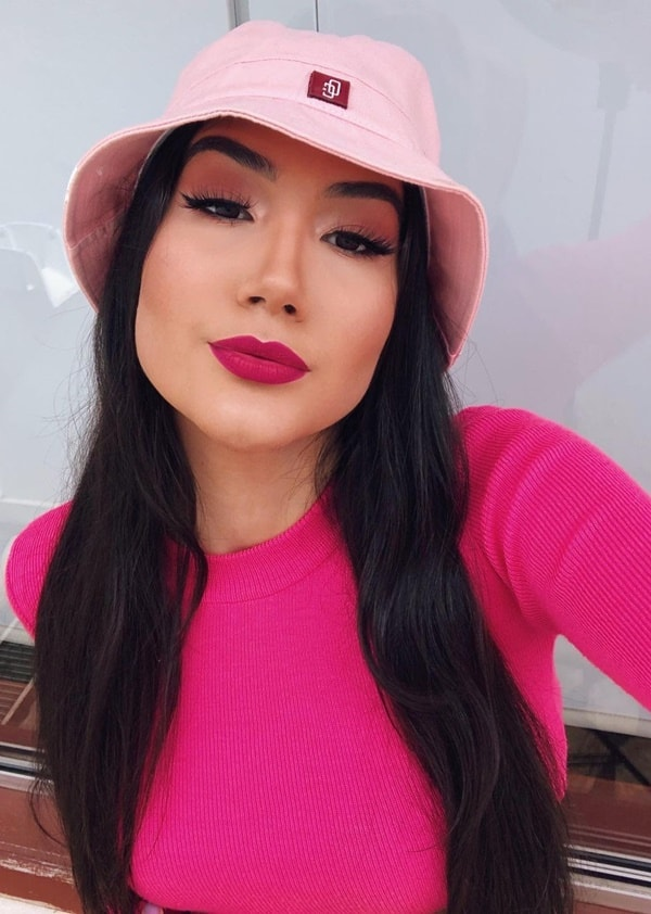 bucket hat chapéu boca rosa look