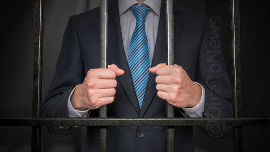 advogado preso cela comum indenizado direito