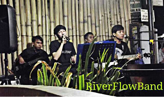 Live Perform RiverFlow at Kafein Cafe Halat