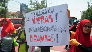 PP Turunan UU Cipta Kerja: Perusahaan Bisa PHK Buruh Tanpa Pesangon Penuh