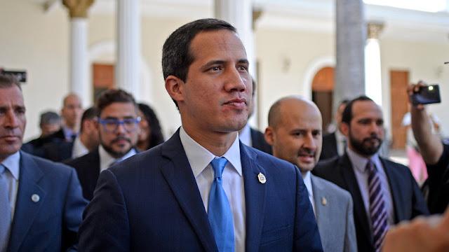 """EE.UU. envía 52 millones de dólares a Guaidó para """"restaurar la gobernanza democrática"""""""