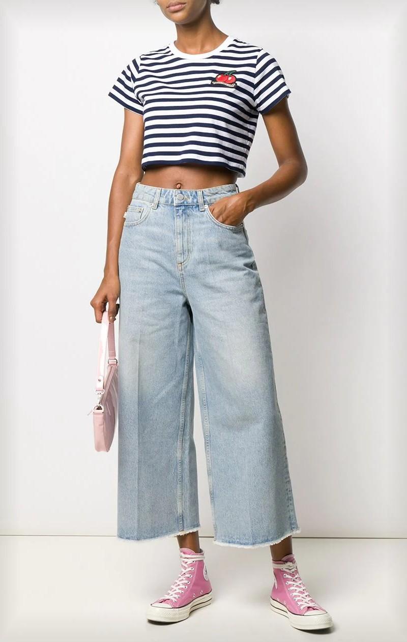 Principais tendências de moda para 2021 - jeans largos, pantalonas
