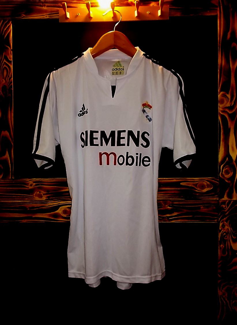 Real madrid clothing store