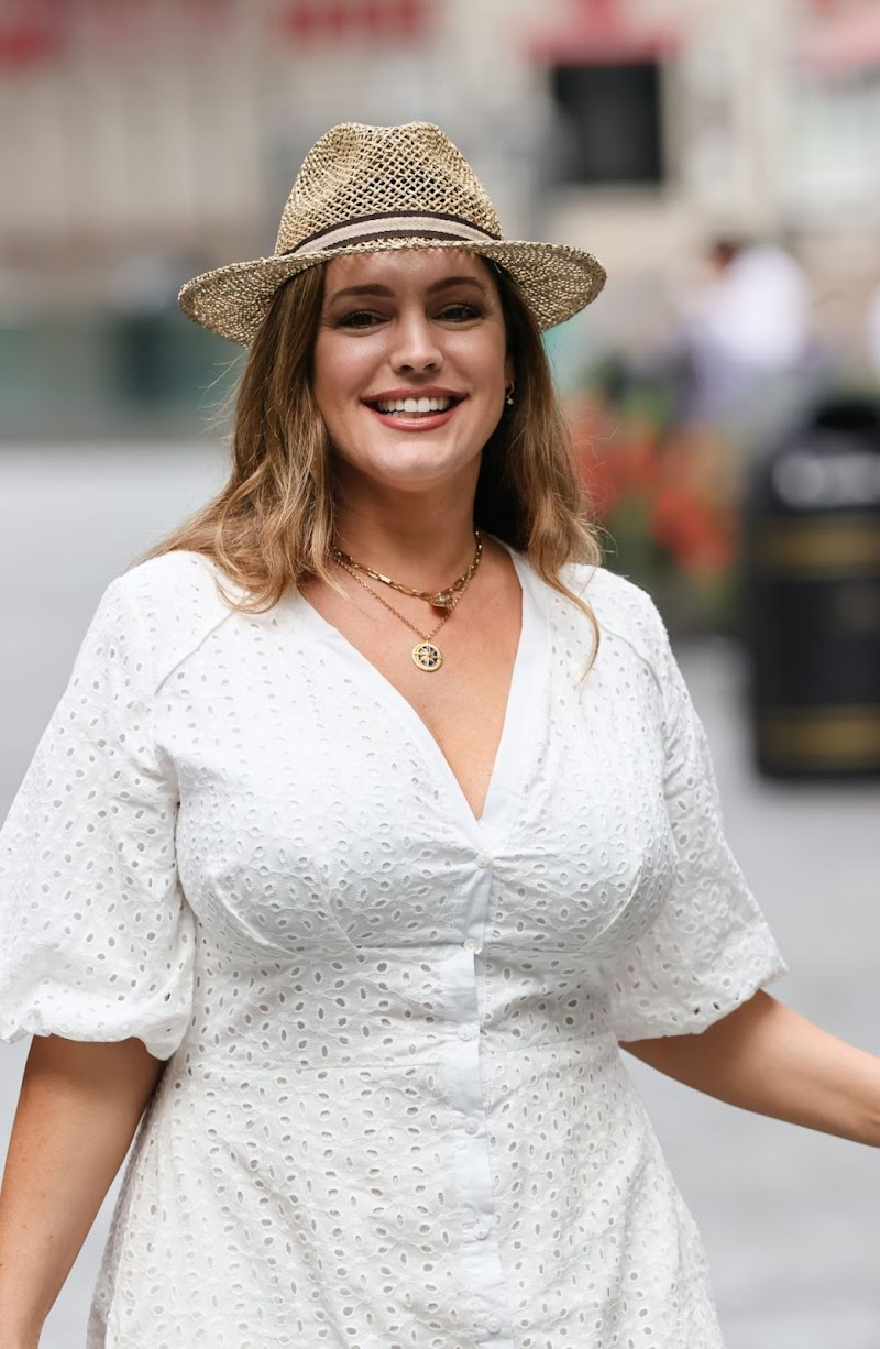 Kelly Brook Clicked Outside in London 14 Aug -2020