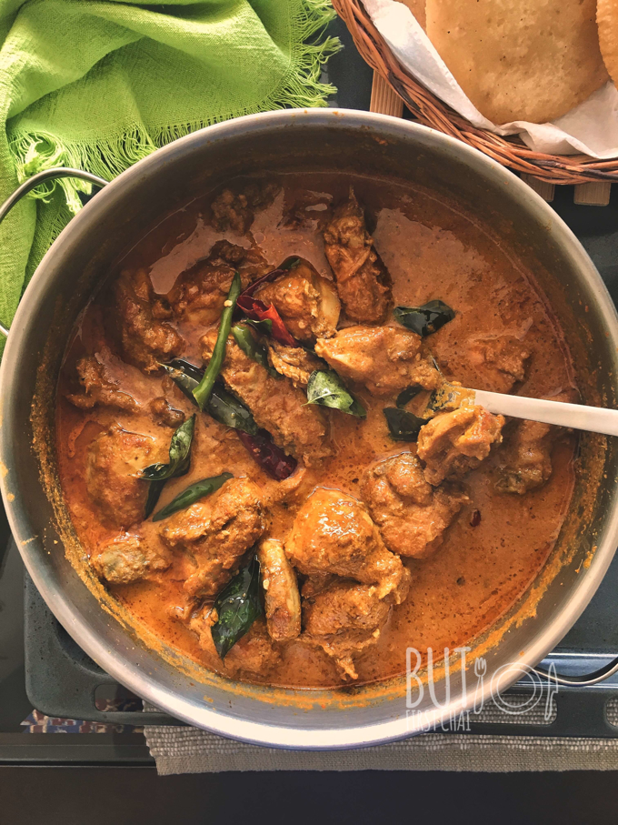 Varutharacha Malabar Chicken Curry | Chicken Curry with Roasted Coconut Sauce