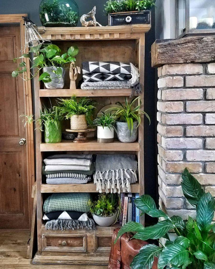 Nieszablonowe mieszkanie z naturą w tle, wystrój wnętrz, wnętrza, urządzanie domu, dekoracje wnętrz, aranżacja wnętrz, inspiracje wnętrz,interior design , dom i wnętrze, aranżacja mieszkania, modne wnętrza, home decor, rustic style, Scandinavian style, industrial style, classic style, styl rustykalny, styl skandynawski, vintage, boho, styl industrialny, styl eco, natura, natural, stonowane kolory, urban jungle, drewniany regał