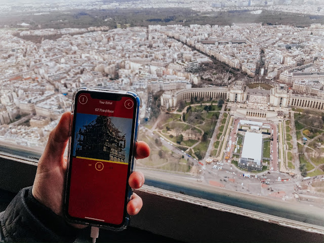 Visiting eiffel tower with Klook- app and audio guide