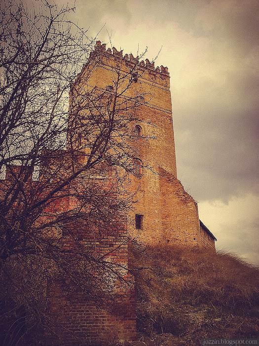 Стыровая башня замка