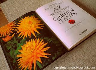 A- Z Encyclopedia of Garden Plants