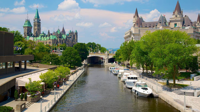 Tourism in Ottawa - the capital of Canada - best hotels - insurance
