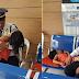 Ama na Security Guard, Hinangaan dahil Kasama niya ang Kanyang Anak sa Duty para Maalagaan