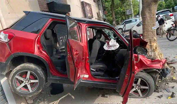 6 injured after car crashes into tree in Ludhiana, Local-News, News, Gujrath, school, Students, Accident, Social Network, Video, Hospital, Treatment, National