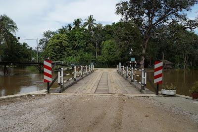 Jembatan Kampung Pintasan Tiris Bekenu