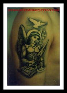 татуировка Девушка и меч