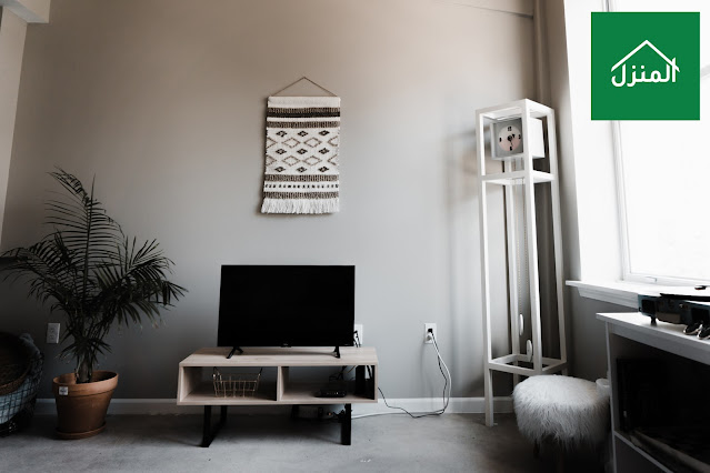 طاولة تلفزيون صغيرة