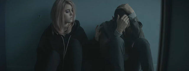"Linkin Park Premiere ""Heavy"" Video ft. Kiiara"
