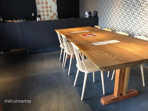 引網香月堂、テーブル席
