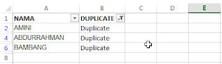 membandingkan dua kolom di Excel dan menghapus duplikat