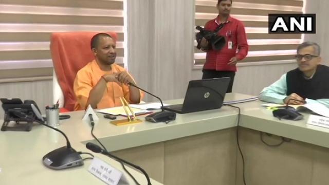 सीएम योगी आदित्यनाथ ने 27.5 लाख मनरेगा मजदूरों के खाते में भेजे 611 करोड़ रुपये