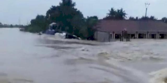 Tanggul Citarum Jebol, Ribuan Warga Pebayuran Kabupaten Bekasi Mengungsi