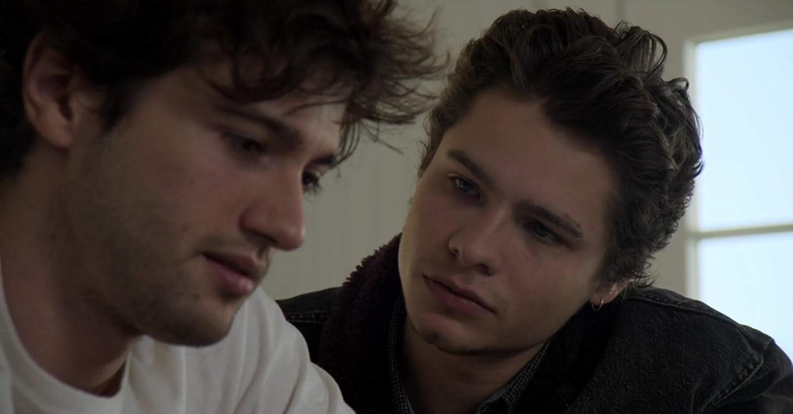 est Spencer et Caleb datant rencontres sur la terre regarder en ligne