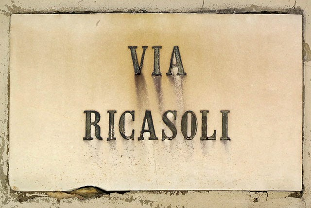 Via Ricasoli plaque, Livorno