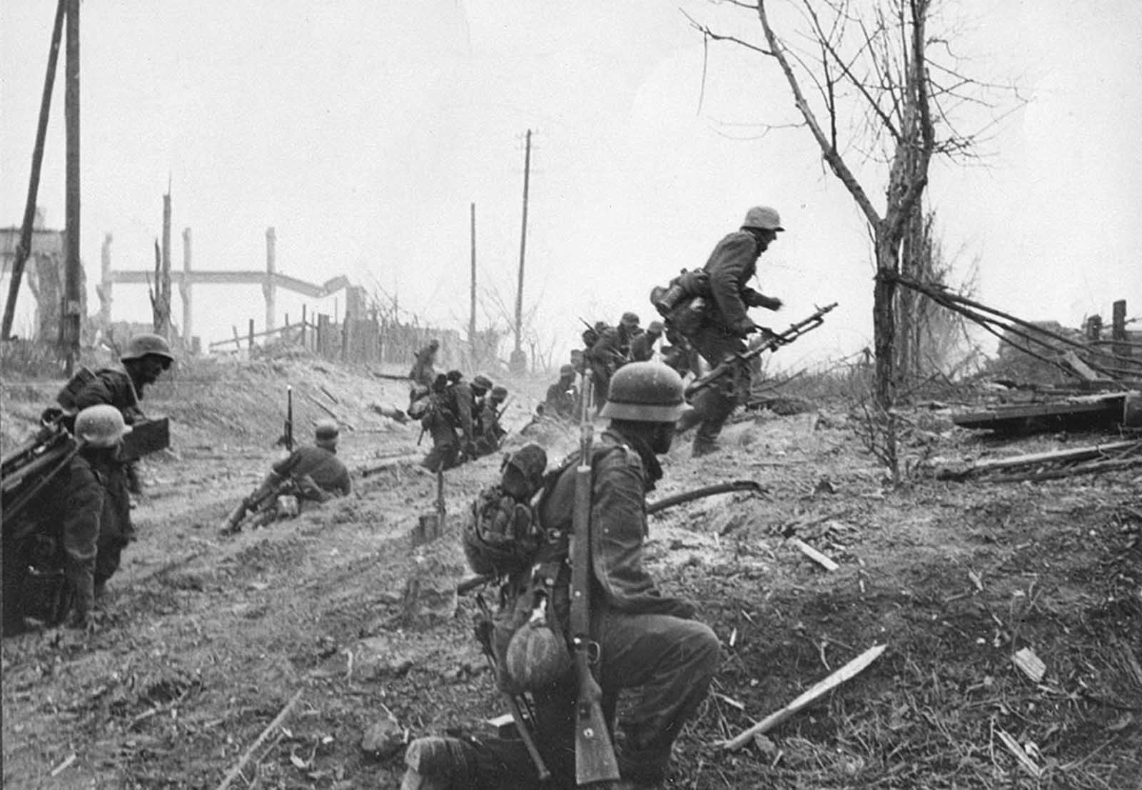 German soldiers advance outside Stalingrad late in 1942.
