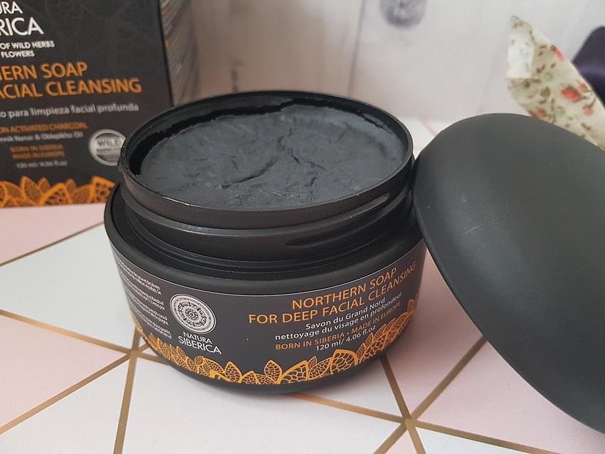 czarne mydło oczyszczające do twarzy