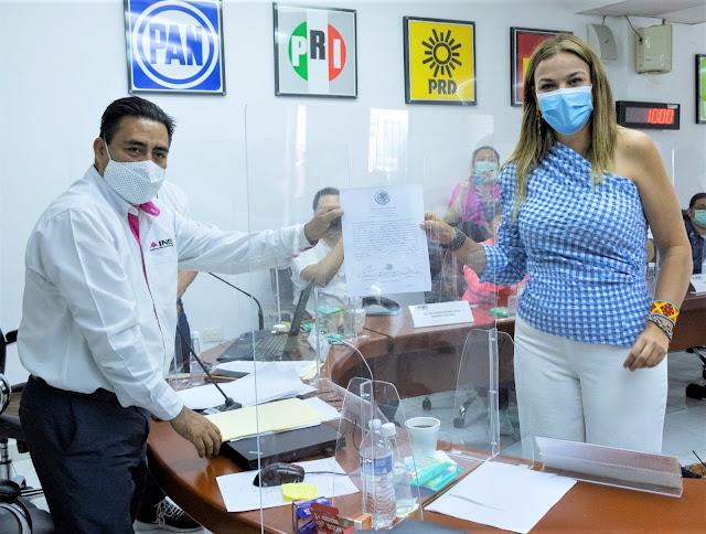 Recibe Cecilia Patrón su constancia como diputada electa