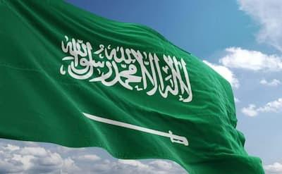 السعودية تعيد فتح الملاعب ودور السينما والمراكز الترفيهية و تلغي التدابير الاحترازية