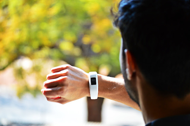 Top 3 Smartwatch health benefits In the World | Tubberc