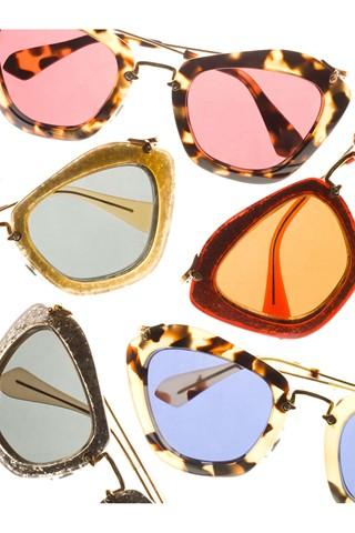 ab2af5ecd2b21 Shoe Daydreams  Le Sigh - Miu Miu Catwalk Noir Sunglasses in Red Glitter