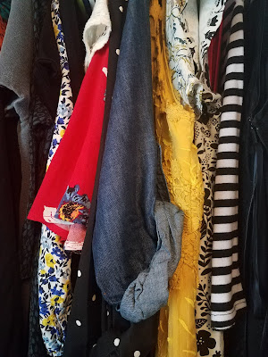 Our Clothes are Garbage! 10 Easy Steps to Stop All the Plastic Waste in your Wardrobe
