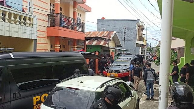 Polisi Grebek Rumah di Bontoala Makassar Kontrakan Pelaku Ledakan Gereja