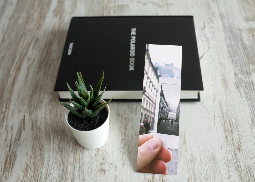 Bookmarks Mockup