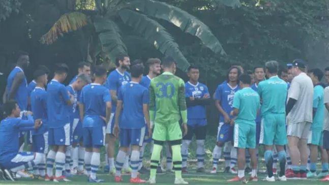 Bersiap Hadapi Persebaya, Pelatih Persib Bandung Evaluasi Tim