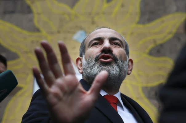Pashinyan dispuesto a establecer relaciones con Turquía