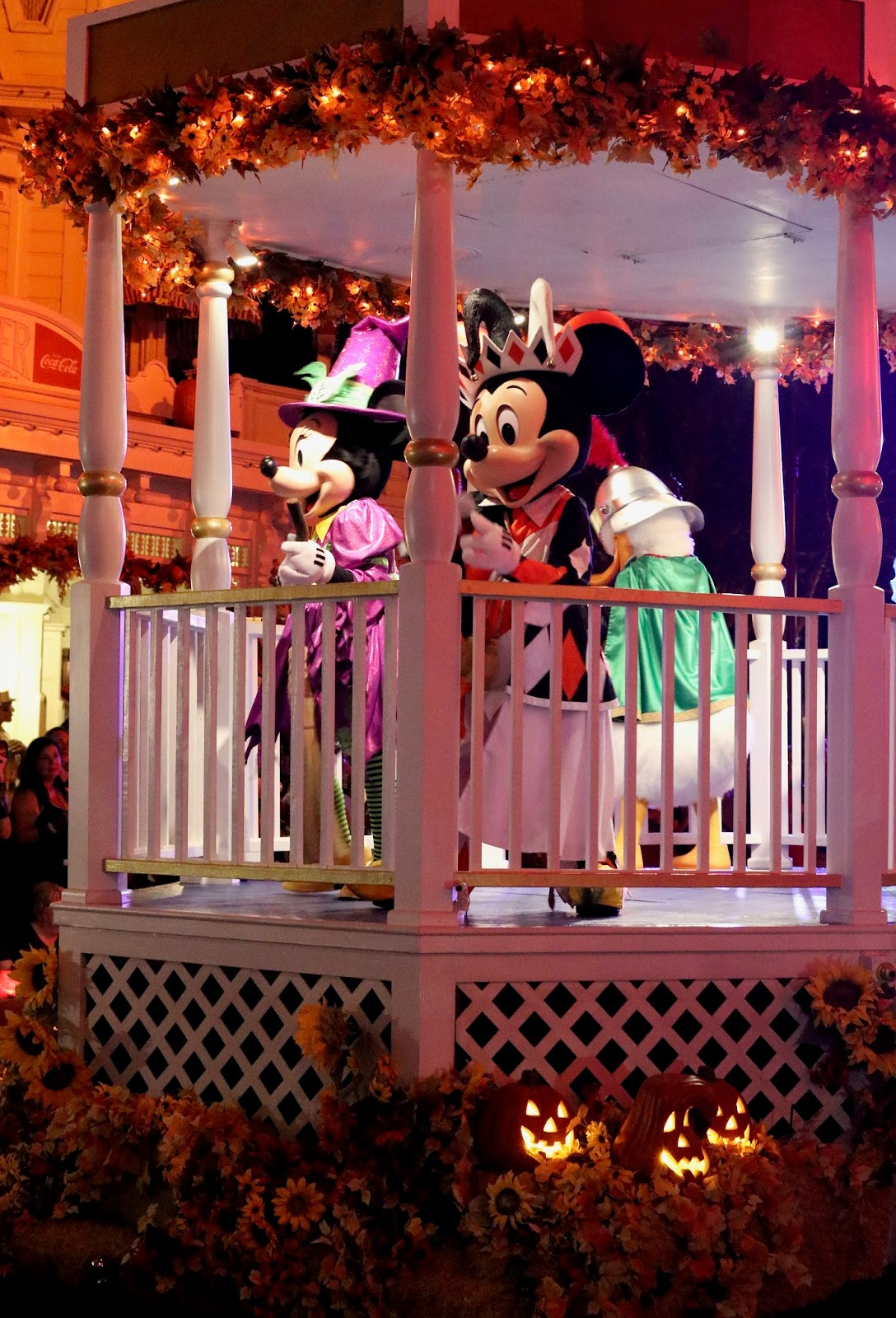 Micky's-Not-So-Scary-Halloween-Party-Boo-To-You-Parade-Micky-Magic-Kingdom-Disney-World